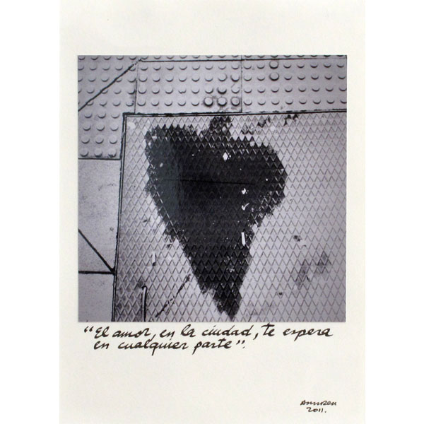 Ampliar Intervention on Photo: <b>El amor en la ciudad</b><br /> (20x15. 2012)